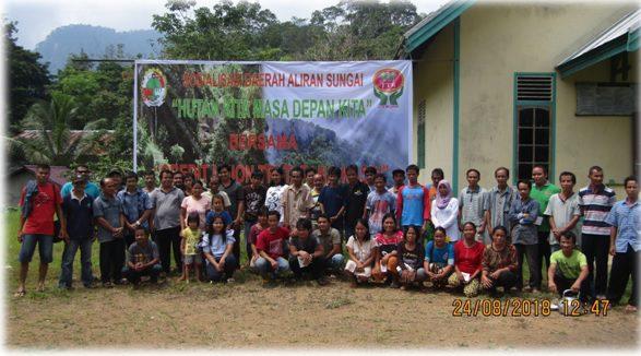Warga Desa Riam Tapang Bersama Team Kopdit CU Tri Tapang Kasih